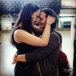 Drê e sua mami no aeroporto