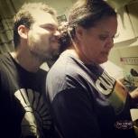 Kito dando um cheirinho na mami dele